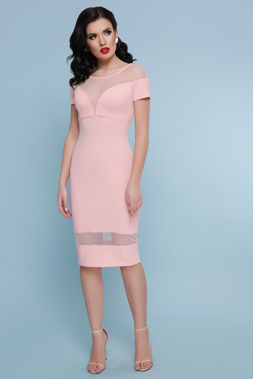 Демисезонное платье средней длины облегающее вставки из сетки с коротким рукавом цвет персик