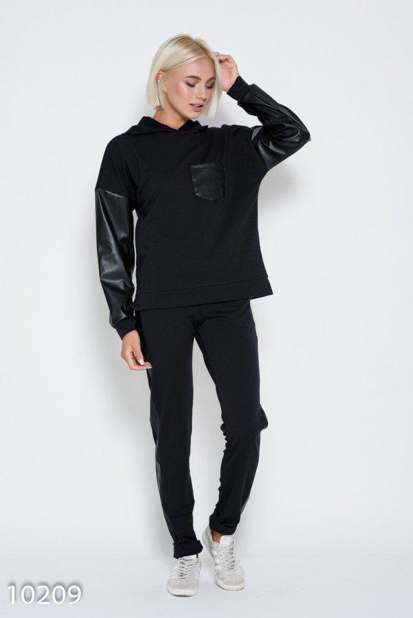 Черный спортивный костюм с капюшоном и рукавами из эко-кожи Реплика