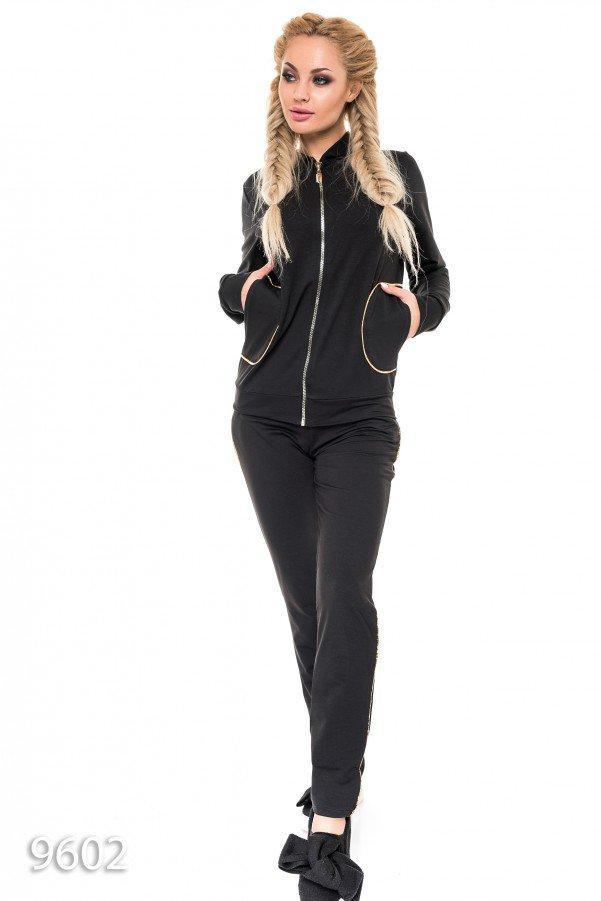 Черный спортивный костюм-двойка с карманами и собачкой-бритвой Реплика