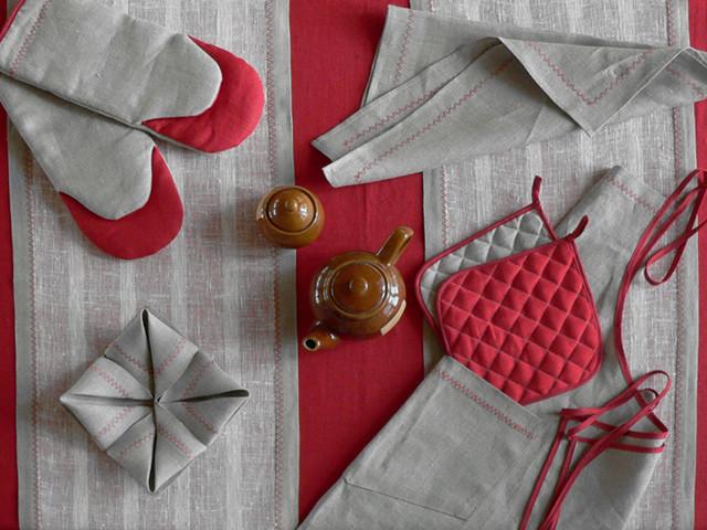 Текстиль для кухни и дома с вышивкой