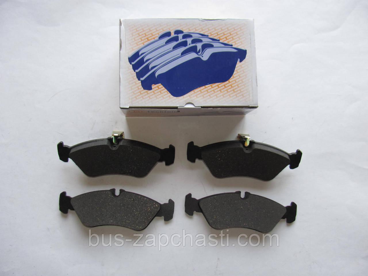 Задние колодки (с молоточками) на MB Sprinter 308-316, VW LT 35 1996-2006 — Autotechteile — 4260