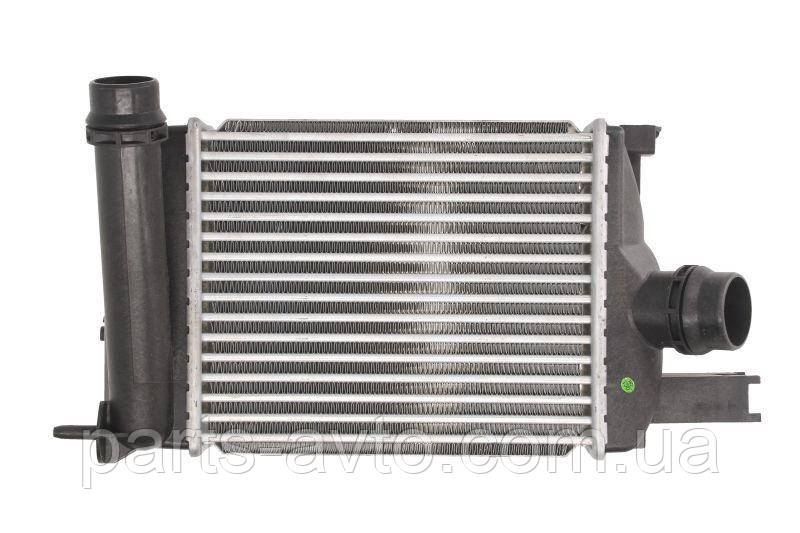 Радиатор интеркулера Renault Logan 2, Sandero 2 c 2013 THERMOTEC  DAR004TT, 14461B680C, 144965154R, 144967634R