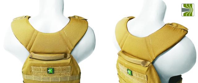 Лямки кріплення виготовленні у вигляді суцільного коміру з використанням 3D сітки та товстого демпферу, має ергономічну форму яка розподіляє навантаження, тобто не навантажує плечі. у плитоносці із системою швидкого скидання