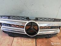 Продам решетку радиатора на мерседес(Mercedes GL-Class a,2007-2009,GL-Class-GL320-GL450-GL550)