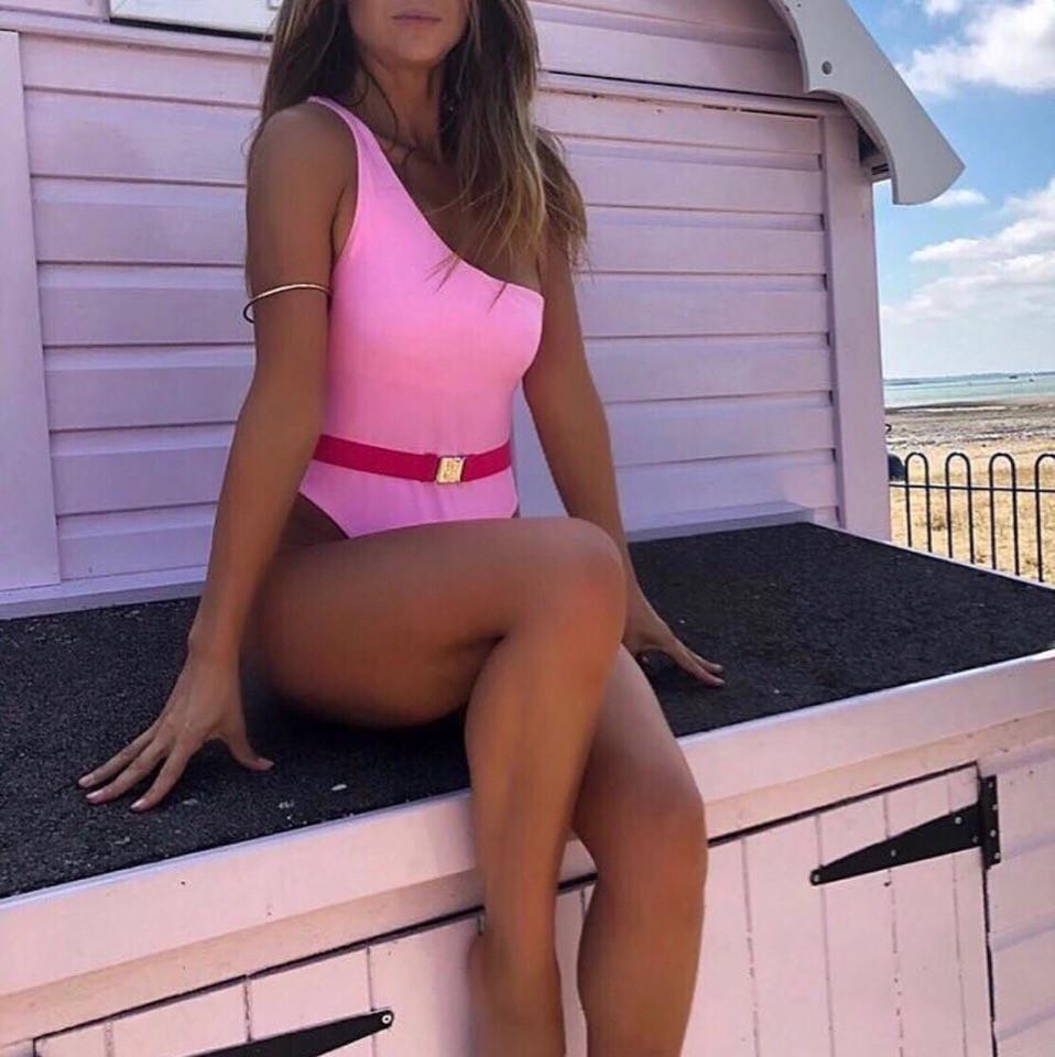 Купальник слитный розовый
