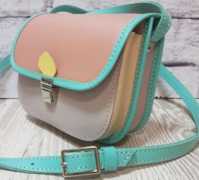 0454a8d1cb6e Разноцветная женская сумка на плечо из натуральной кожи: продажа ...