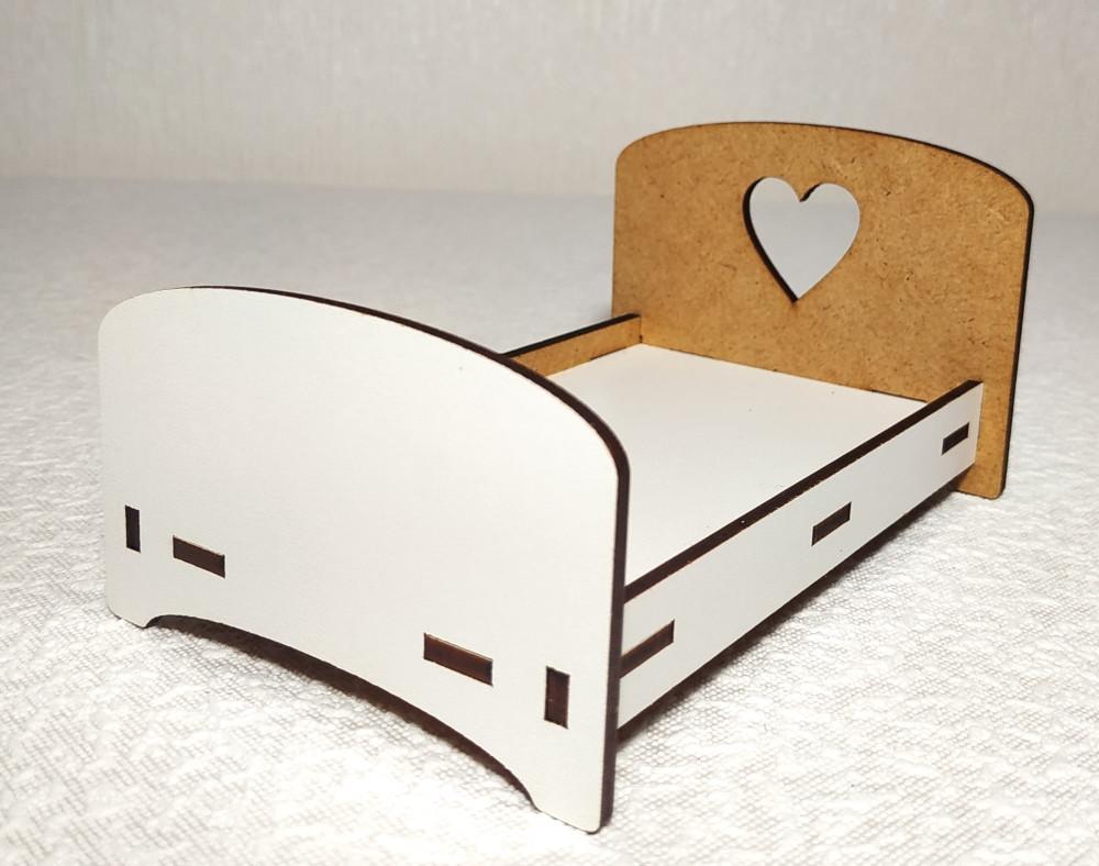 Игрушка Кровать малая для малыша кукол Барби, Братц, Монстер Хай
