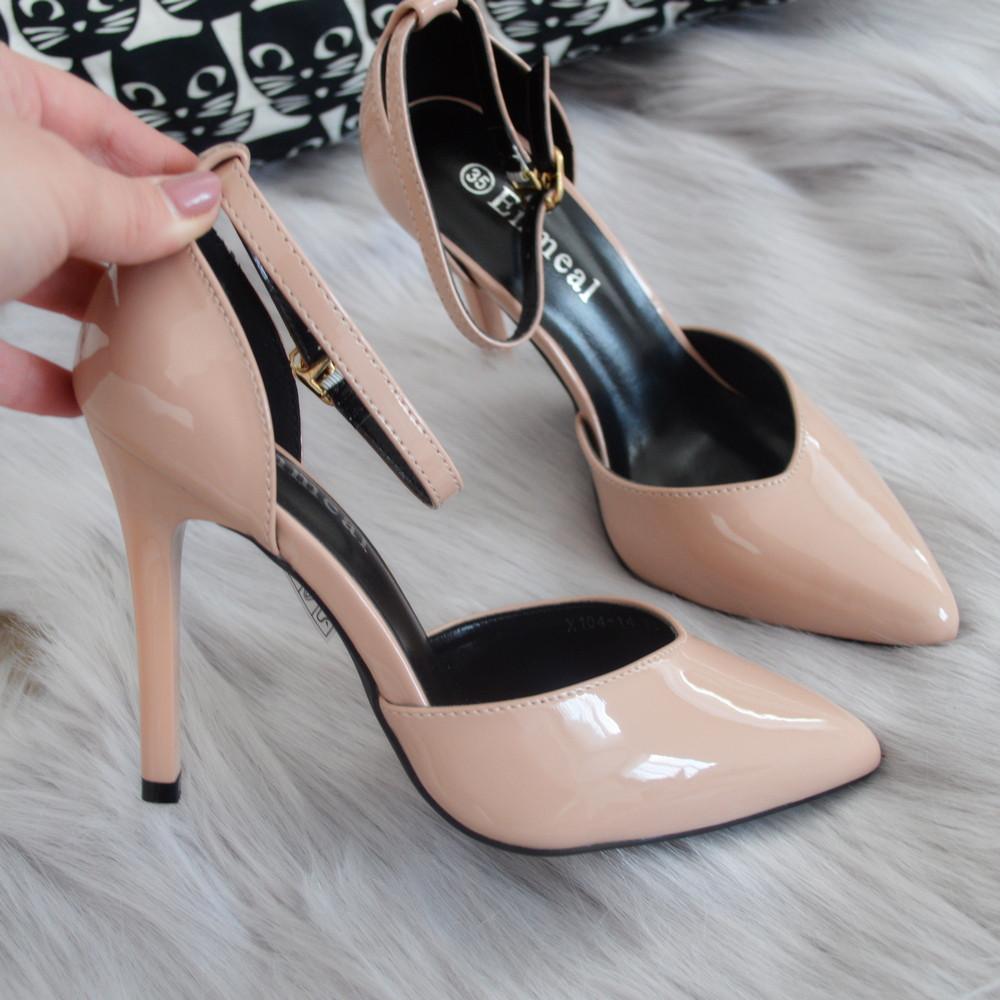 Туфлі жіночі лакові бежеві на каблуку.