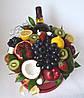 Букет из фруктов в коробке 30 см со спиртным