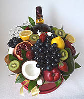 Букет из фруктов в коробке 30 см со спиртным, фото 1