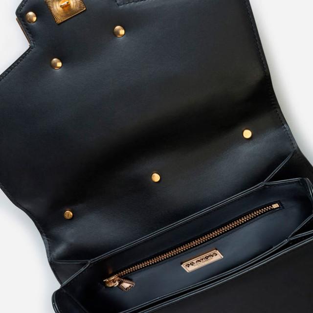 Женская сумочка из телячьей кожи DG AMORE | черная. Фото главного отделения сумочки.