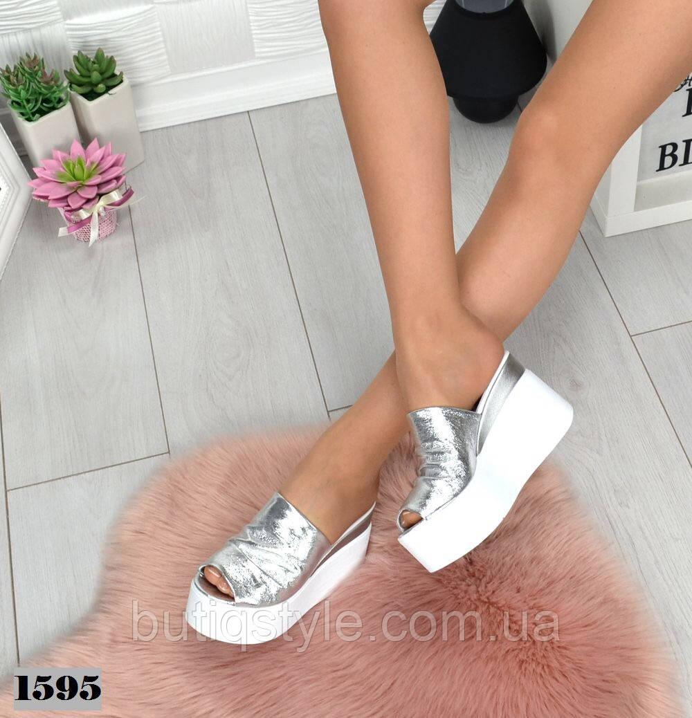 Женские  шлепанцы сабо серебро на белой платформе натуральная кожа