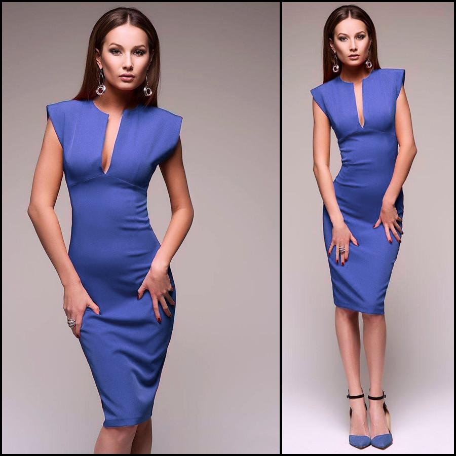 Синее платье с декольте Monro