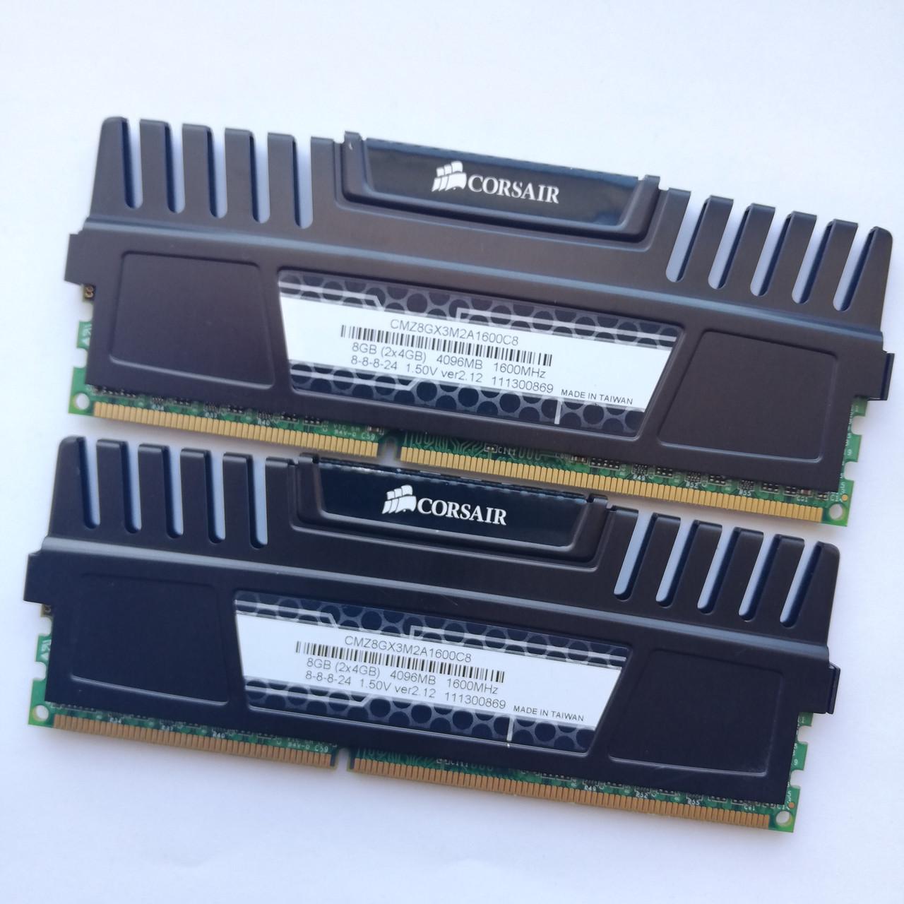 Комплект оперативной памяти Corsair DDR3 8Gb KIT of 2 1600MHz PC3 12800U CL8 (CMZ8GX3M2A1600C8) Б/У