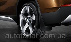 Оригинальный комплект брызговиков передних BMW Х1 (E84) (82162155852)