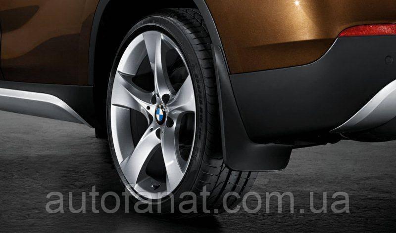 Оригинальный комплект брызговиков задних BMW Х1 (E84) (82162155851)