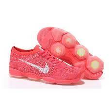 Женские кроссовки Nike Zoom Fit Agility Flyknit коралловые