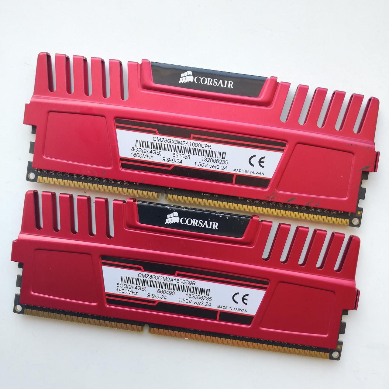 Комплект оперативной памяти Corsair Vengeance DDR3 8Gb (4Gb+4Gb) 1600MHz 12800U CL9 (CMZ8GX3M2A1600C9R) Б/У