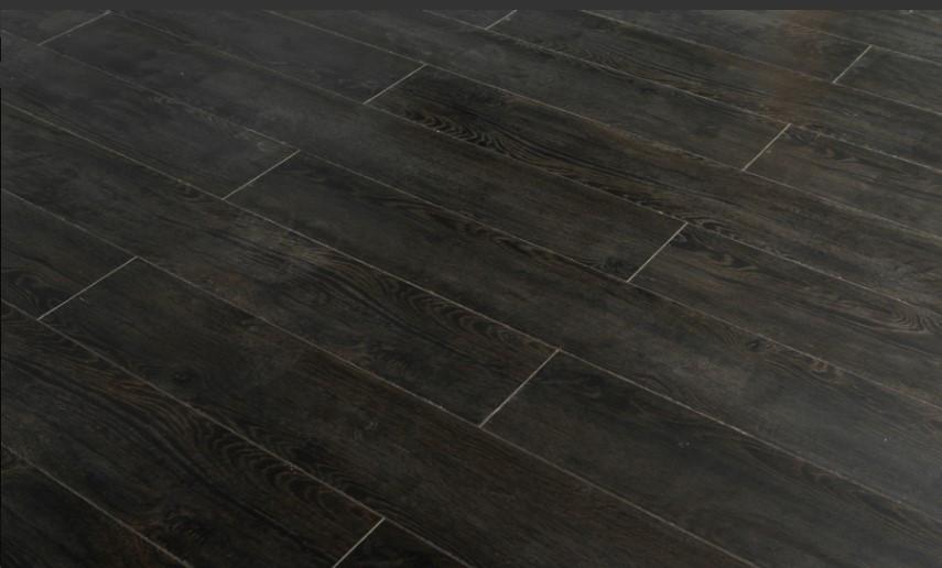 Ламинат темный Дуб Ричмонд 80002 с фаской