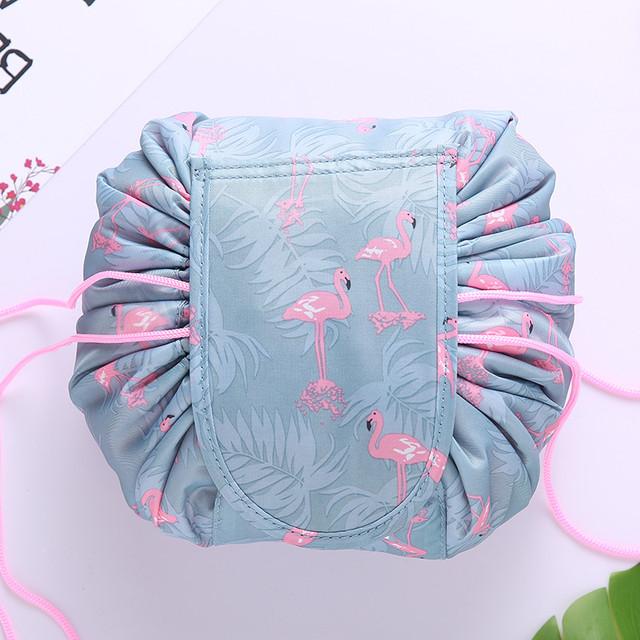 Косметичка на затяжках с фламинго серая