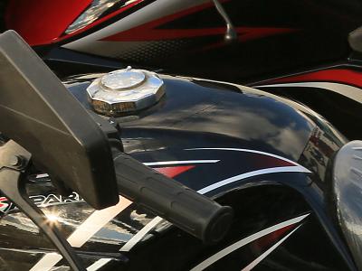Вместительный топливный бак мотоцикла Spark SP125C-2C
