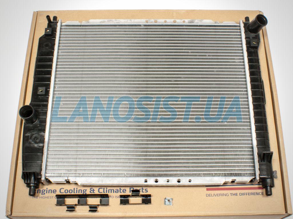 Радиатор Авео 1.5 (основной, МКПП) Nissens 61636.