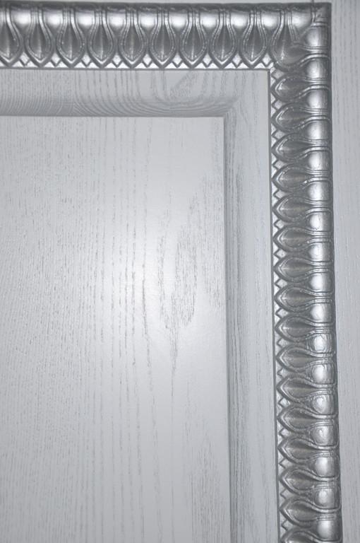 Двери деревянные с элементами резьбы 5