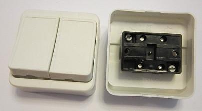 Выключатель накладной двойной с широкой клавишей 6А 250В Киев