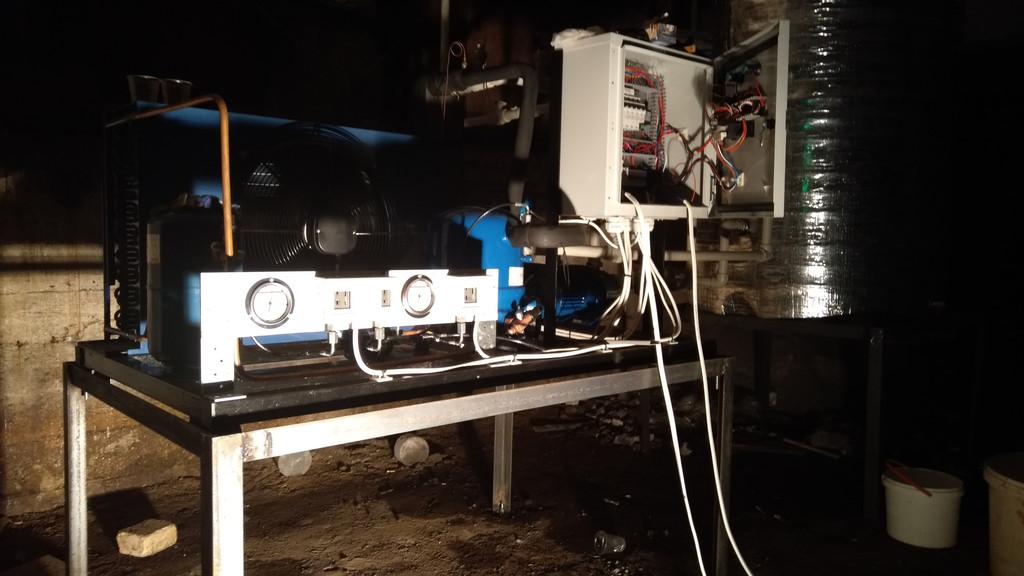 Чиллеры для охлаждения воды мощностью 5 кВт. и 33 кВт.