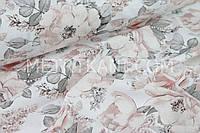 """Ткань хлопковая """"Цветы с серыми листьями"""" пудровых и бежевых оттенков на белом №1442"""
