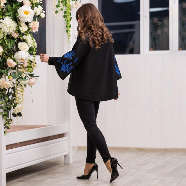 Пальто женское с вышивкой - Звезда
