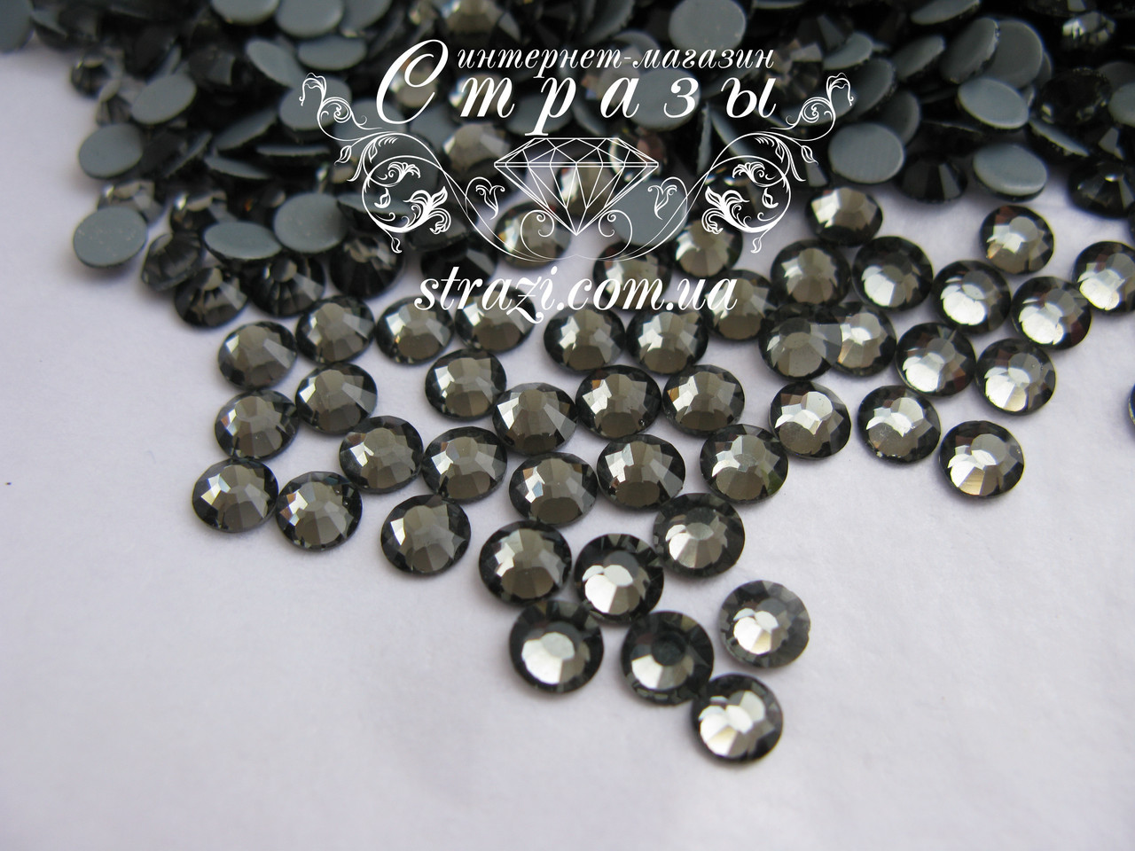 Термо стразы Lux ss16 Black Diamond (4.0mm) 1440шт
