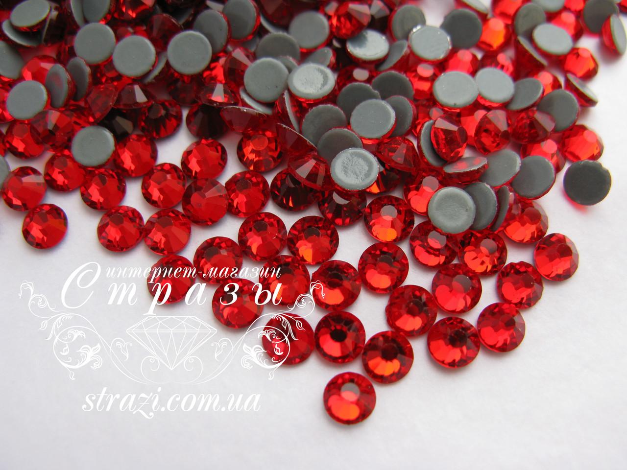 Термо стразы Lux ss16 Lt.Siam (4.0mm) 100шт