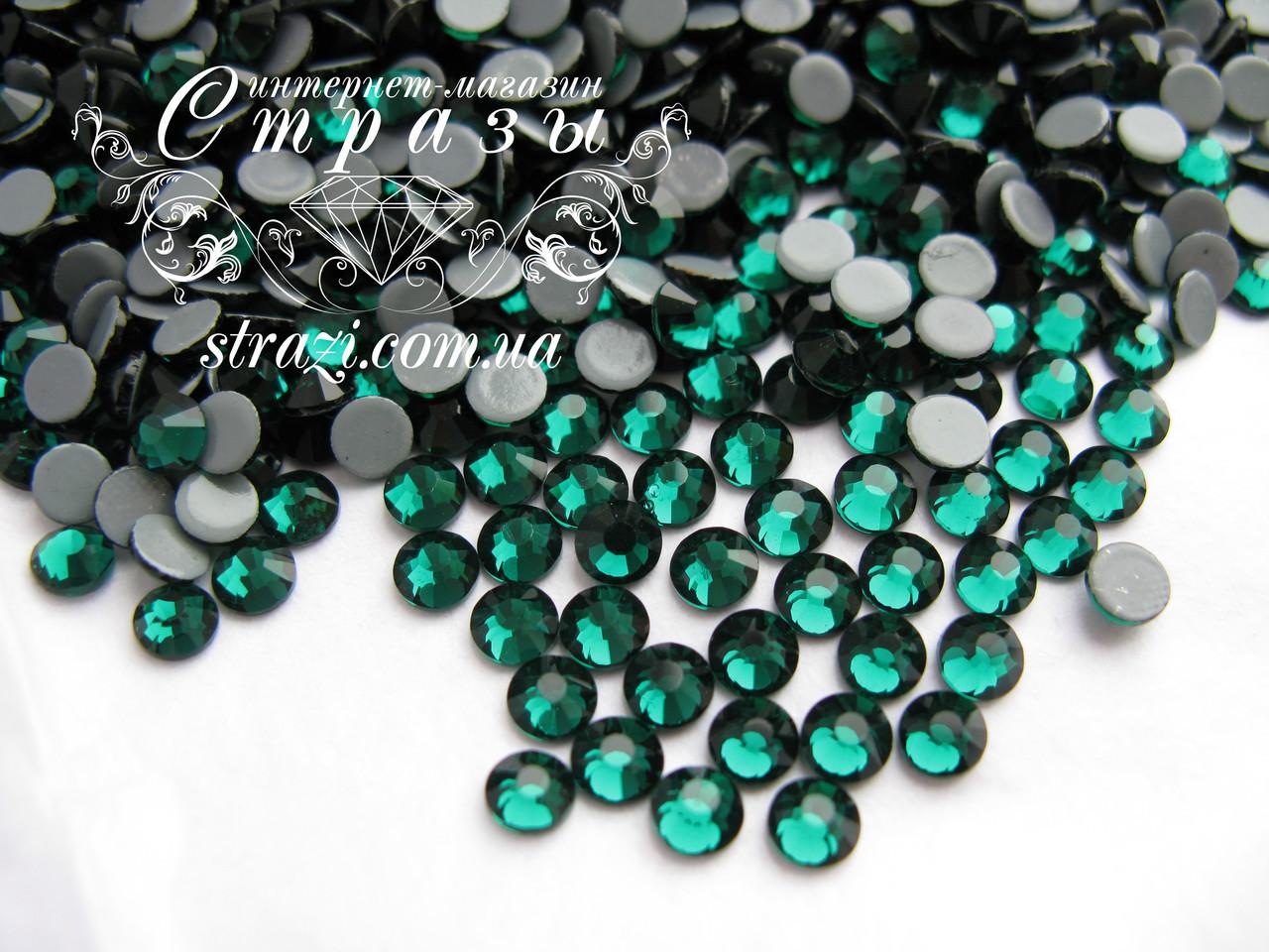 Термо стразы Lux ss16 Emerald (4.0mm) 100шт