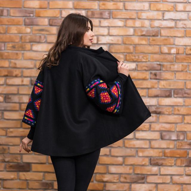 Пальто кашемир с цветной вышивкой
