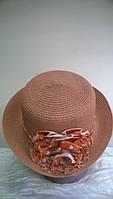Изящная женская  летняя шляпка   из рисовой соломки с композицией  розы .