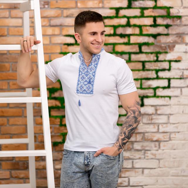 Трикотажная мужская вышиванка короткий рукав