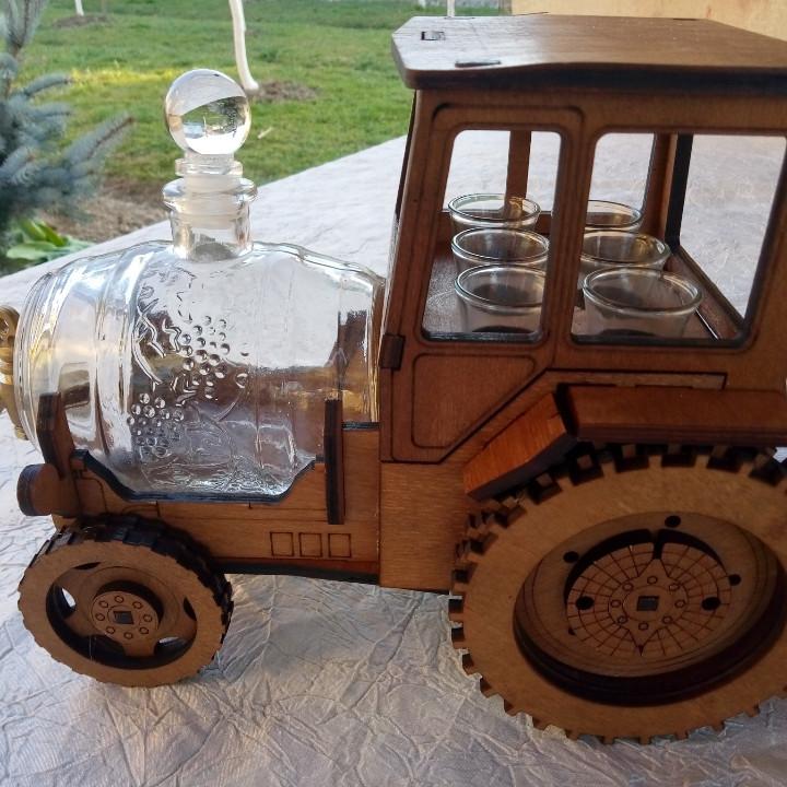 Мини-бар Трактор  с рюмками и бочкой