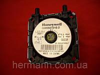 Прессостат (реле давления дыма)  Honeywell Р=0.9 mbar max 6 mbar C6065A101