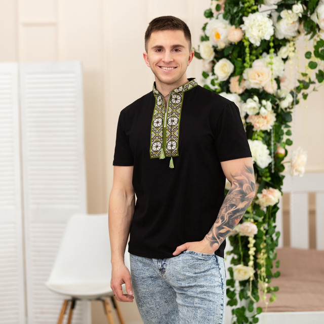 Трикотажная мужская вышиванка Орнамент олива