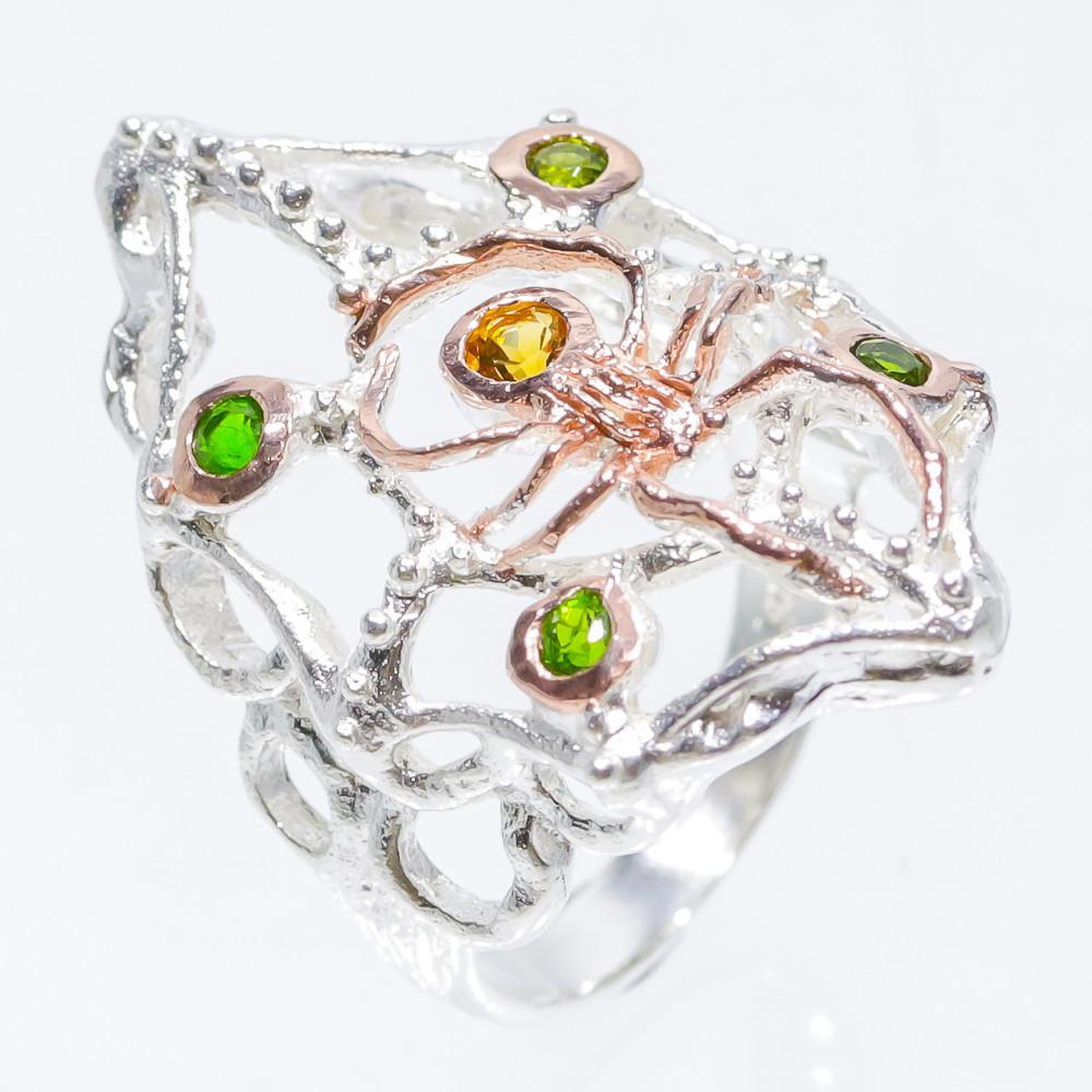 Серебряное кольцо с натуральными Хромдиопсидами и Цитрином