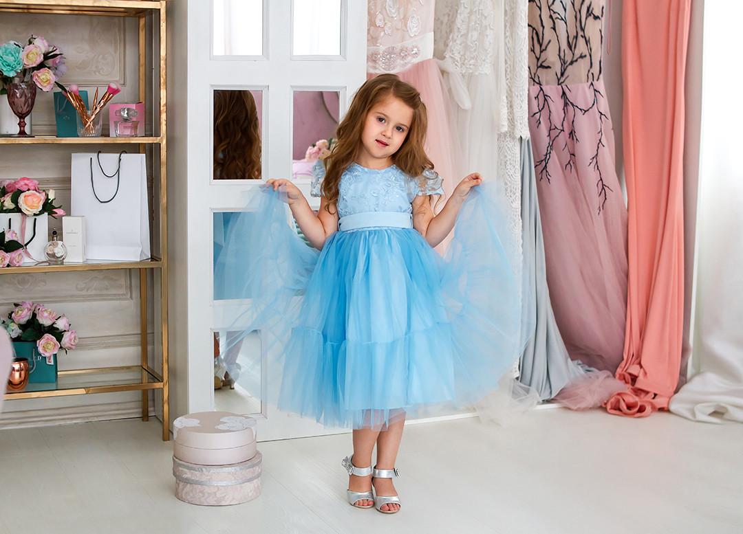b123c43f79e Голубое платье для девочки от компании