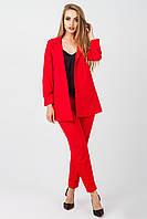 Женский деловой костюм красного цвета