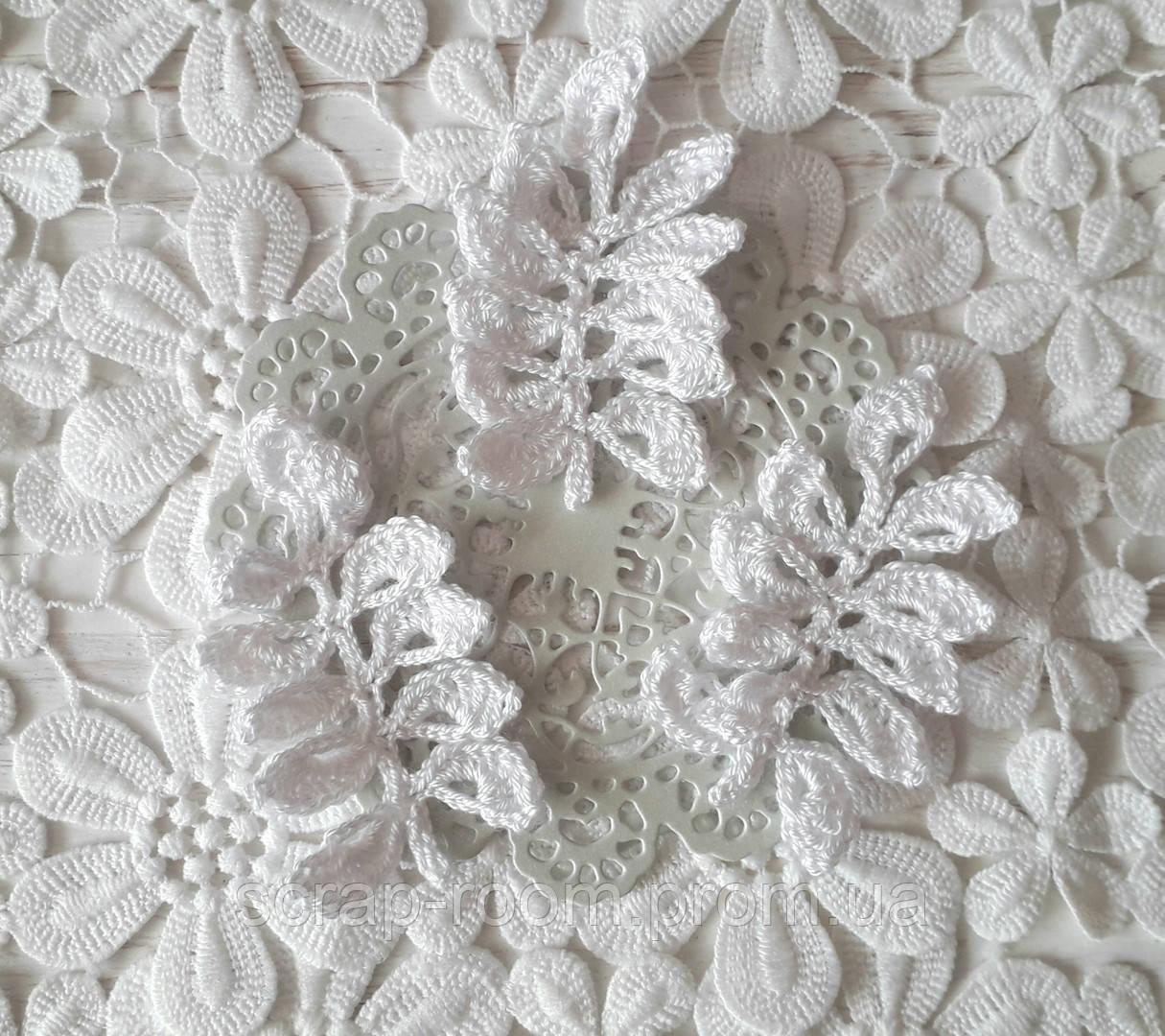 Вязаная веточка белая, вязаная веточка, высота 8 см, декор вязаный веточка белая ручная работа