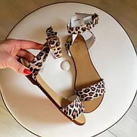 Женские босоножки сандалии леопардовый принт кожаные на низком ходу 34 ,35, 41, 42