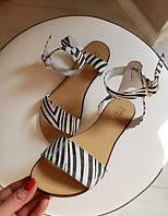 Женские босоножки сандалии черно белые принт зебра кожаные на сплошной подошве 34-42 размер