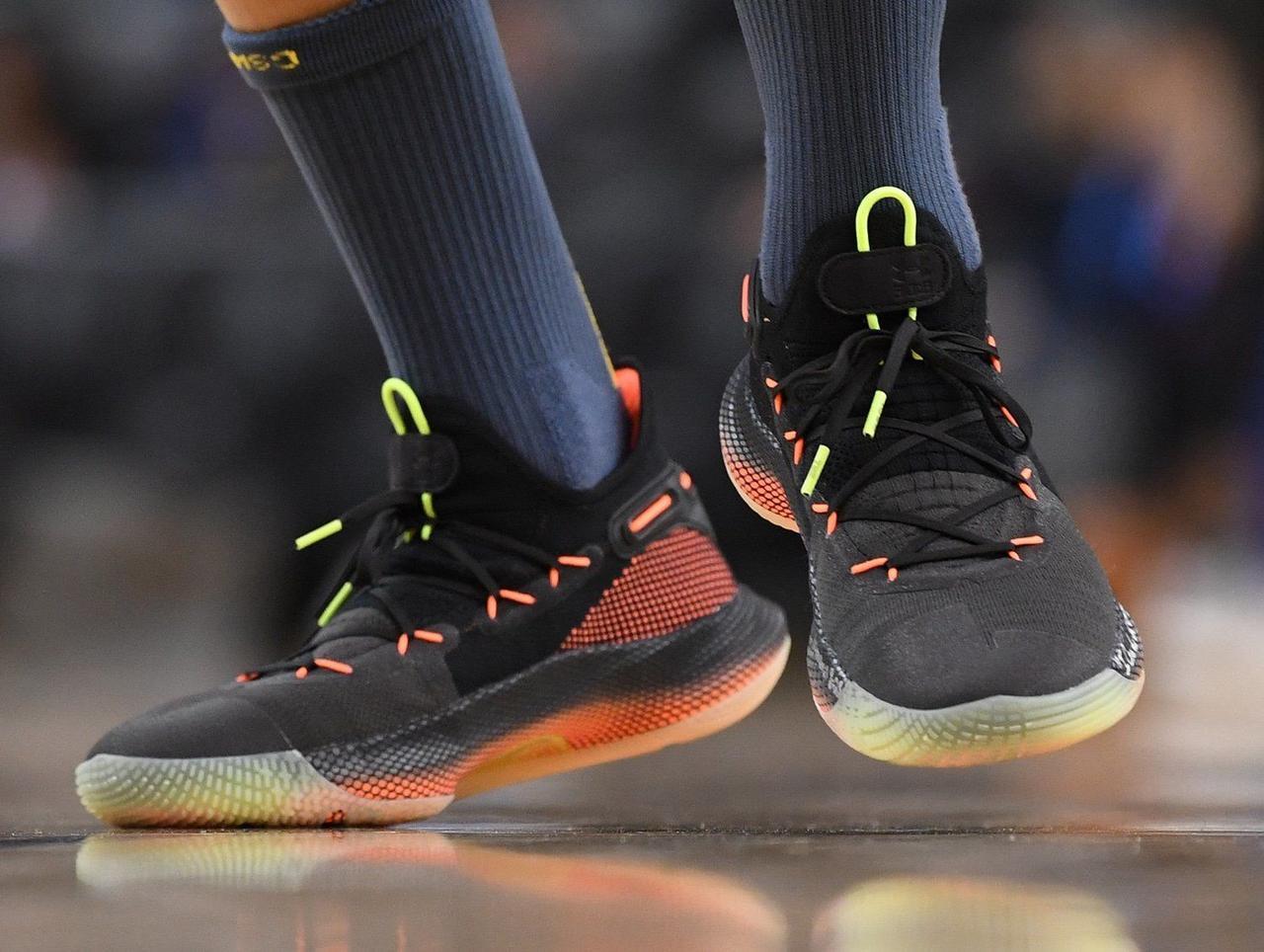 buy popular 2156f f87ad Баскетбольные кроссовки Under Armour Curry 6