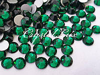 Стразы Lux ss16 Emerald (4.0mm) 100шт