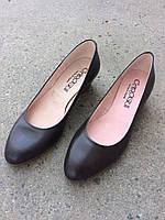 Туфлі жіночі шкіряні,на низенькому каблучку.Виготовлені в Іспанії.