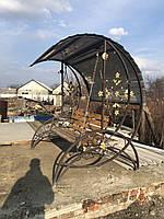 Кованые качели в сад (сидения из натурального дерева)